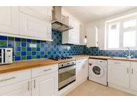3 bedroom flat in Chart Street, London, N1