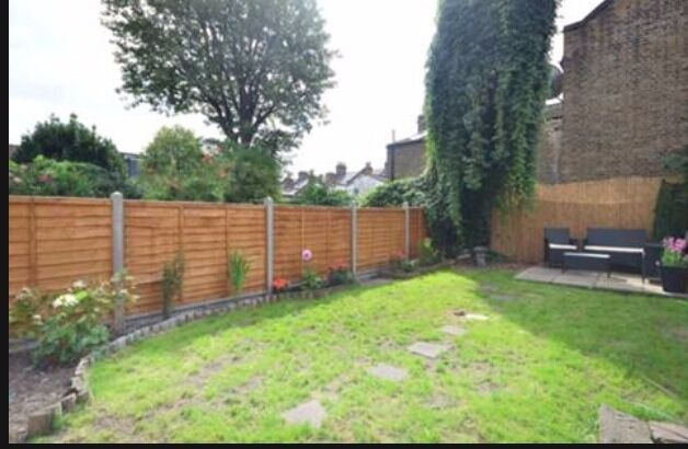 A lovely 4 bedroom with two bathroom house in heart of Seven sisters N15