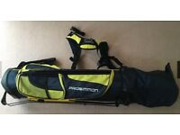 Junior golf set (5 clubs, golf bag with automatic stand, golf balls, 2 club covers).