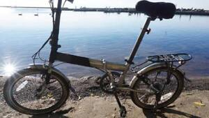 Folding Road Bike w/ puncture resistant tires
