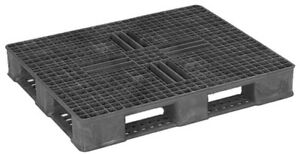 Plastic Pallets --- FOR SALE -- Bedford Commons