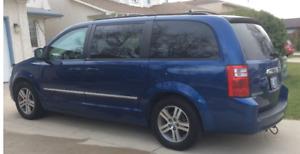 2010 Dodge Grand Caravan SXT Minivan, Van- saftied