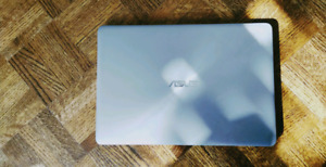 ASUS Zenbook i7, 16GB RAM, 512 SSD, 13 inch display