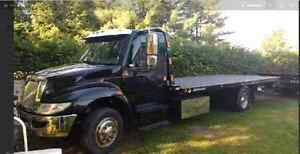 2005 International Flatbed Tow Truck 7.5 l