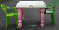 Little Tikes table w/2 chairs