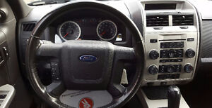 2010 Ford Escape XLT SUV,  BRAND NEW TIRES & BRAKES B.T 2 YRS WA Cambridge Kitchener Area image 12