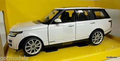 Rastar 1/24 Scale 56300w 2012 Range Rover White Diecast model Car