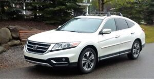 2014 HONDA CROSSTOUR CUV/SUV MINT CONDITION