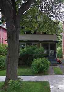 Large 4-bedroom Flat Avail May 1st, 2 mins to DAL/KINGS campus