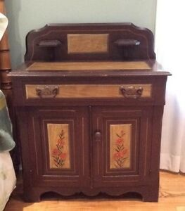 Antique Hand-Painted Washstand in Good Condition!
