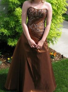 Grad Dress -- Size 6 - Stunning -- Alfred Angelo -- $100