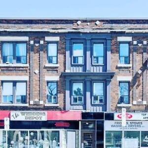 1 bedroom apartment on Ottawa St N available Dec 1!