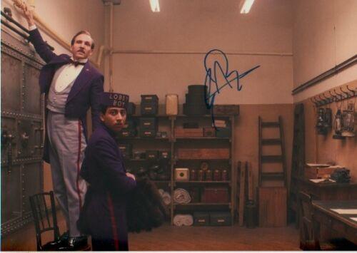 "Tony Revolori ""Grand Hotel Budapest"" Autogramm signed 20x30 cm Bild"