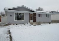 """Crestview"" 3 BR Bung 1120 sqft Double Garage $289,000 REDUCED !"
