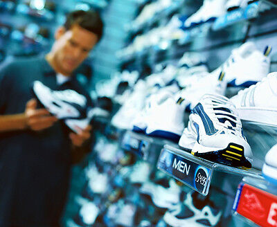 Auch wenn Du gerne morgens läufst, solltest Du Deine Schuhe besser abends kaufen. (© Thinkstock über The Digitale)