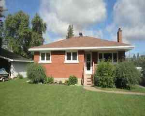 Single Family Bungalow Home for rent in Knoxdale/Greenbank area