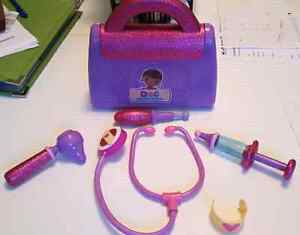 Doc McStuffin Doctor bag playset