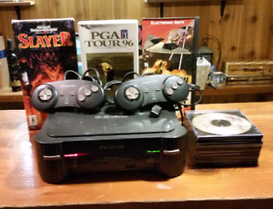 Panasonic 3DO 2 controllers 3 gms and extras