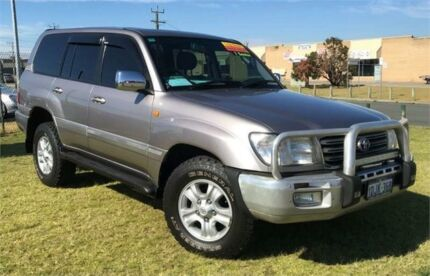 2004 Toyota Landcruiser UZJ100R Sahara (4x4) Silver 5 Speed Automatic Wagon Wangara Wanneroo Area Preview