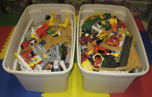 HUGE lot of Geo Trax - very good working condition