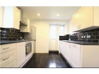 AMAZING 2 BED IN IG8¬ CLOSE TO STATION ¬ RECENTLY REFURBISHED ¬ 2 DOUBLES ¬ DO NOT MISS OUT !!!!!