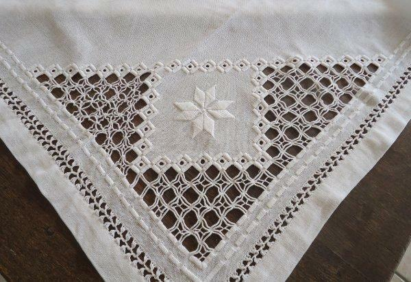 Large Vintage Hardanger Lace Tablecloth Snowflakes Embroidery Cotton 60""