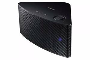 Samsung M3 Bluetooth speaker Clifton Hill Yarra Area Preview
