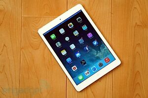 WHITE IPAD AIR FOR SALE LIKE NEW