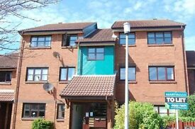 SPACIOUS PART FURNISHED 2 BEDROOM FIRST FLOOR FLAT WITH ALLOCATED OFF ROAD PARKING IN BAITER PARK