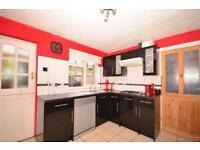 3 bedroom house in Larkfields, Gravesend