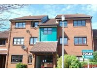 SPACIOUS UNFURNISHED 2 BEDROOM FIRST FLOOR FLAT WITH PARKING SPACE CLOSE TO POOLE QUAY