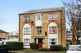 Luxurious 4 Bed, Split Level Flat, Large Open Plan Kitchen £600 pw