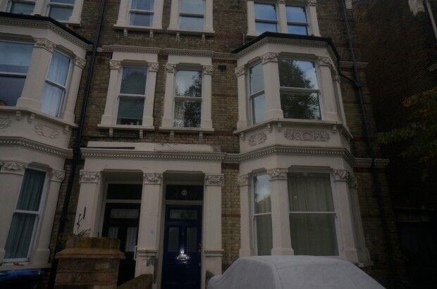 1 bedroom flat in Harvist Road, London, NW6