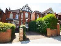 2 bedroom flat in Dartmouth Road, Mapesbury
