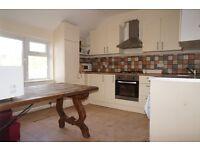 3 bedroom flat in Charteris Road Charteris Road, London, NW6