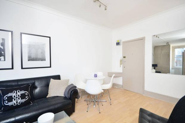 Large Studios with Balcony by Kilburn High Road - Ideal for Couples Or Singles