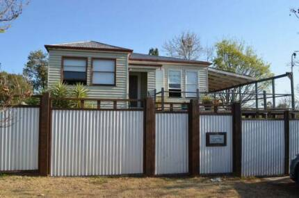 4 Bedroom timber home perfect for the entertainer/renovator