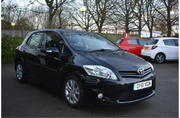 2011 toyota auris 1 4 d 4d tr diesel black manual in aylesbury buckinghamshire gumtree. Black Bedroom Furniture Sets. Home Design Ideas