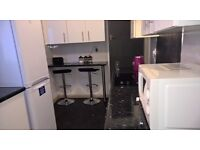 Double Room available now to move in!! FULLY FURNISHED! All bills included. Includes wifi