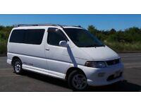 Toyota hiace regius minibus 8 seater