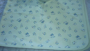 like NEW beige Baby Blanket by Baby Gap .. Clean,SmokeFree Cambridge Kitchener Area image 3