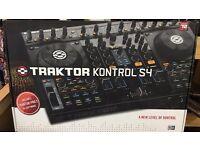 Native Instruments Traktor Kontrol S4 MK2 (DJ Controller)