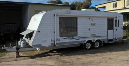 2000 Roadstar Vacationer Caravan
