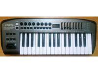 Edirol PCR-M30 midi controller keyboard