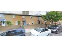 POPLAR, E14, LOVELY 3 BEDROOM TERRACED HOUSE WITH PRIVATE PATIO