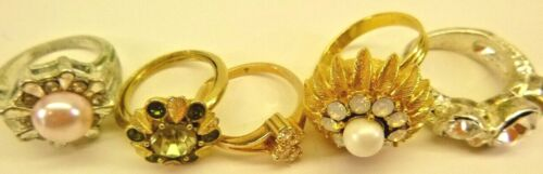 Costume Jewelry Rings-Lot of 5 Vintage Womens Rings