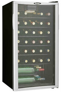 DANBY QUALITY - 35 BOTTLE WINE AND BEVERAGE COOLER - A BEAUTIFUL GIFT IDEA YOUR FAMILY WILL LOVE FOR YEARS !