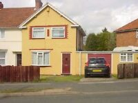 3 B EDROOM SEMI DETATCHED HOME-AVAILABLE TO VIEW ASAP-THE RING YARDLEY-£675PCM-KITCHEN GOODS WITHIN