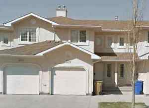 2BED 1.5BATH townhouse avail immediately (2wks rent free)
