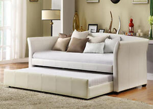 BRAND NEW BEAUTIFUL LEATHER DAY BED/SOFA WITH TRUNDLE ON SALE!!!